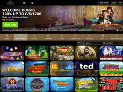 Play Royal House Casino Now